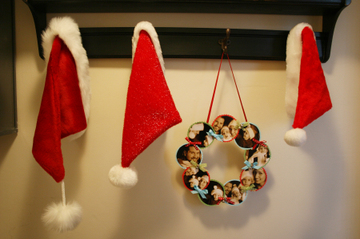 Paper_wreath_and_three_santa_hats_2